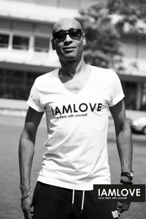organic and fairtrade men's IAMLOVE shirt V- Neck