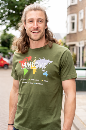 IAMLOVE t-shirt for men with printed globe. Organic fairwear